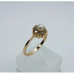 RING YELLOW GOLD WITH PEARL AND DIAMONDS