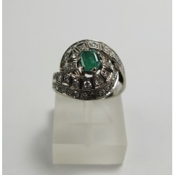 RING IN WHITE GOLD WITH BRILLIANT-AND EMERALD -