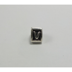 THE PANDORA RANGE OF CHARMS-LETTER V