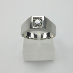 RING WHITE GOLD WITH BRILLIANT